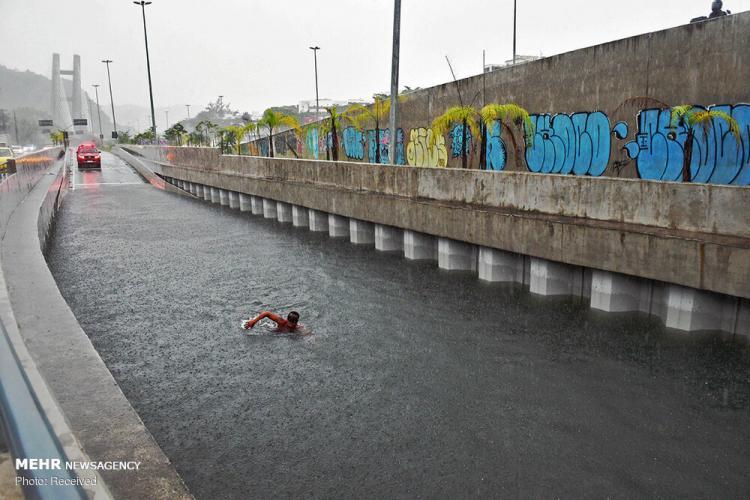 تصاویر سیل برزیل,عکس های سیل در برزیل,تصاویری از مردم برزیل پس از وقوع سیل