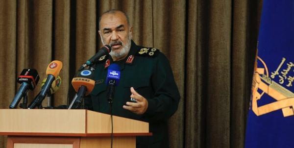 سلامی: آمریکا قدرت و جرات آغاز جنگ علیه ایران را ندارد/اعزام ناو به منطقه جنگ روانی است