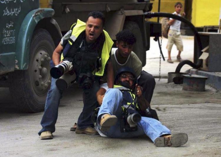 عکس خبرنگاران,تصاویرخبرنگاران،عکس خبرنگاران درخطرناکترین ثانیههای جهان