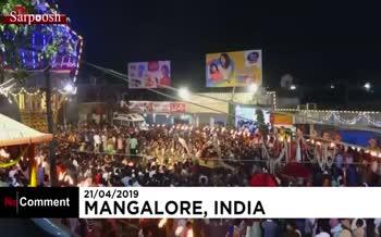 فیلم/ پرتاب مشعل برای دفع شیطان در فستیوال سالانه آتش در هند