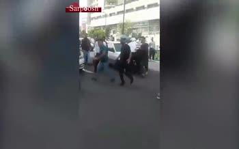 ویدئو/ درگیری مامور راهور با مسافربرهای شخصی و پریدن روی ماشین