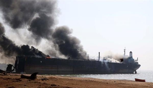 شنیده شدن صدای انفجار در دریای عمان/ حمله به ۲ کشتی تجاری مرتبط با ژاپن