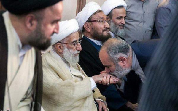 مشاور روحانی، خاتمی را سیاستمداری «بیاعتبار» و بازنشسته خواند!