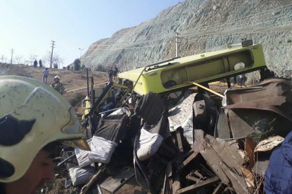 نتیجه بررسی نهایی حادثه علوم و تحقیقات؛ پیمانکار اتوبوس دانشگاه آزاد 8 بار اخطار گرفته بود