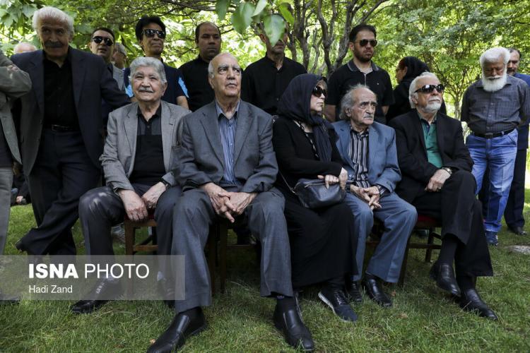 تصاویر مراسم تشییع پرویز بهرام,عکس های مراسم تشییع پرویز بهرام,عکس های بدرقه پیکر پرویز بهرام