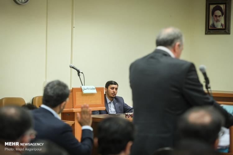 تصاویر هشتمین جلسه دادگاه رسیدگی به اتهامات هادی رضوی,عکس های هشتمین جلسه دادگاه رسیدگی به اتهامات احسان دلاویز,تصاویر دادگاه هادی رضوی و احسان دلاویز