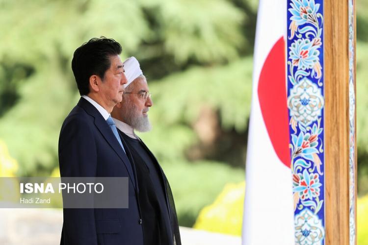 تصاویر استقبال رسمی روحانی از نخستوزیر ژاپن,عکس های نخست وزیر ژاپن در مجموعه سعدآباد,تصاویر استقبال رئیس جمهور از شینزو آبه