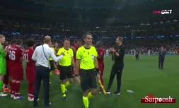 فیلم/ اهدای جام قهرمانی به تیم لیورپول (فینال لیگ قهرمانان اروپا 2019)