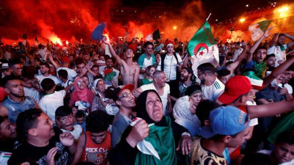 جشن فوتبالی الجزایریها,اخبار فوتبال,خبرهای فوتبال,حواشی فوتبال