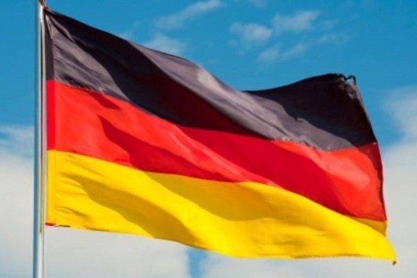 سقوط یک هواپیمای ساخت فرانسه در آلمان/ 3 نفر کشته شدند