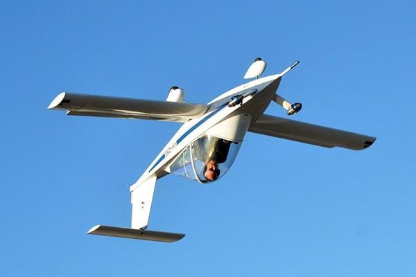پرواز با کوچکترین هواپیمای جهان,اخبار خودرو,خبرهای خودرو,وسایل نقلیه