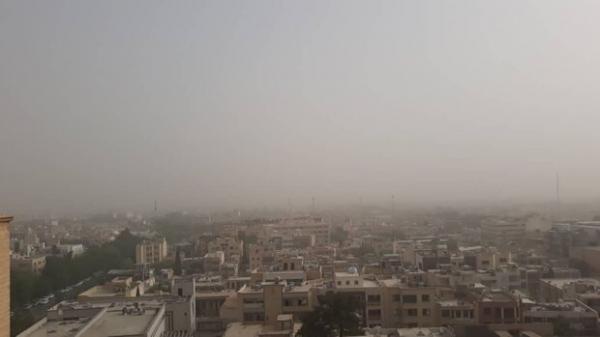 هوای اصفهان در آستانه وضعیت ناسالم/ شاخص کیفی به ۹۸ رسید
