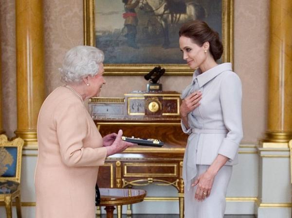 هنرمندانی که از ملکه الیزابت نشان سلطنتی دریافت کرده اند,اخبار هنرمندان,خبرهای هنرمندان,اخبار بازیگران