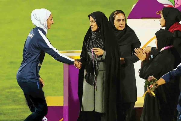 لیلا صوفی زاده در مراسم اهدای جوایز ورزشکاران,اخبار فوتبال,خبرهای فوتبال,فوتبال ملی