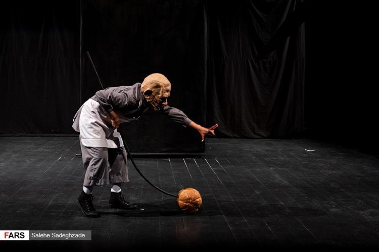 تصاویر نمایش نان,عکس های اجرای نمایش نان,تصاویر بازیگران نمایش نان