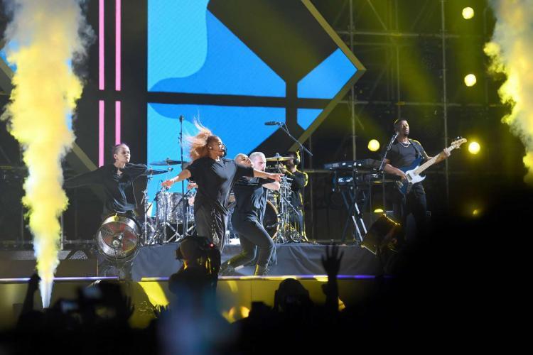 تصاویر کنسرت عمومی در عربستان,عکس های کنسرت جنت جکسون در عربستان,تصاویر کنسرت فیفتی سنت در عربستان