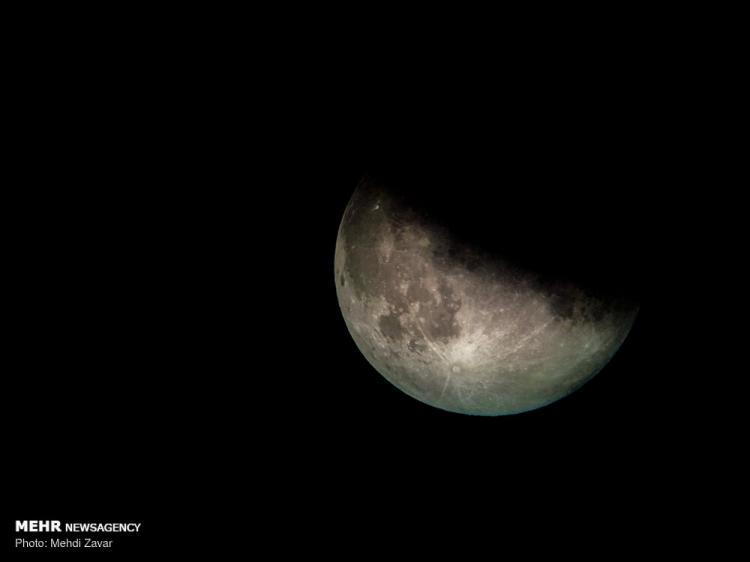 تصاویر ماه گرفتگی در آسمان ایران,تصاویر ماه گرفتگی در آسمان آذربایجان غربی,عکس های ماه گرفتگی