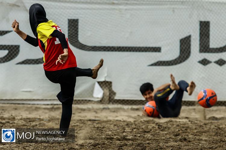 تصاویر دیدار تیم های فوتبال ساحلی بانوان ایران,عکس های دیدار تیم های فوتبال ساحلی بانوان شهرداری فرح آباد و ایمن گیلان,عکس های بانوان ورزشکار ایران
