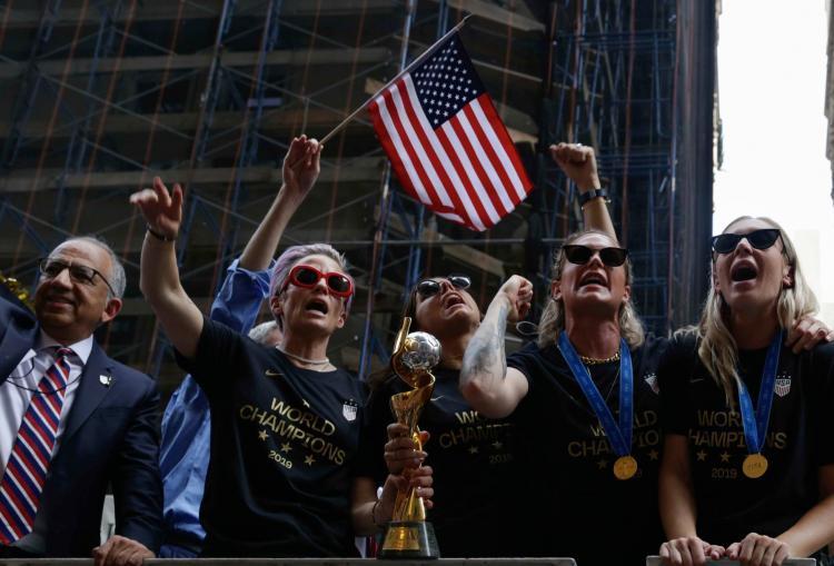 تصاویر قهرمانی تیم ملی زنان آمریکا,عکس های قهرمانی تیم ملی زنان آمریکا,تصاویر جشن جام جهانی 2019