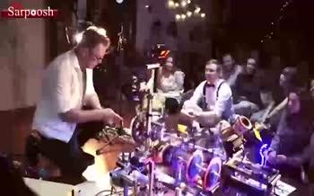 فیلم/ اجرای عجیب موسیقی به وسیله یک ماشین صنعتی