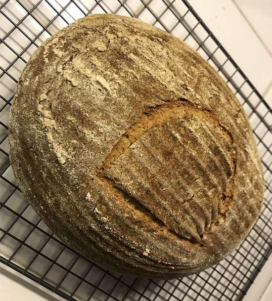 پخت نان تازه با خمیرمایه,اخبار جالب,خبرهای جالب,خواندنی ها و دیدنی ها