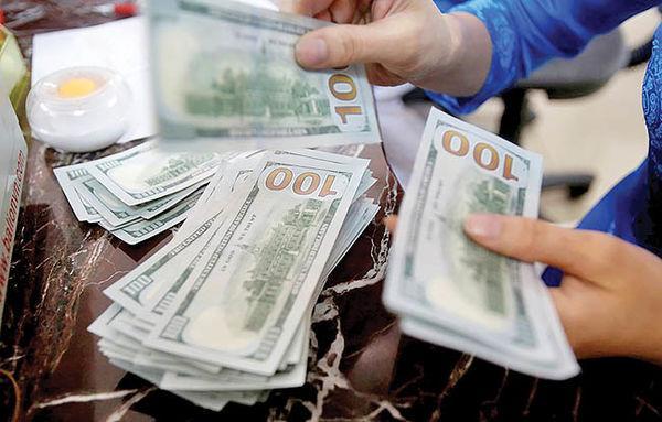 بازار دلار و سکه