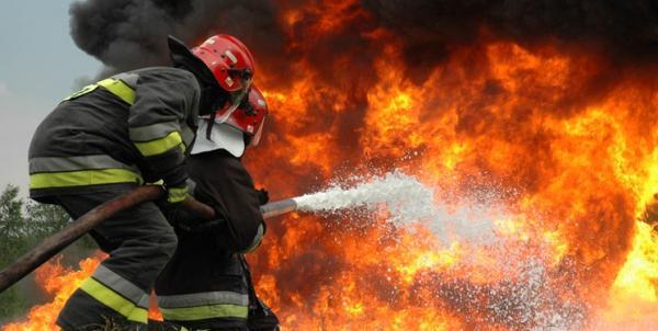 آتش سوزی گسترده در بازار کهنه قم,اخبار حوادث,خبرهای حوادث,حوادث امروز