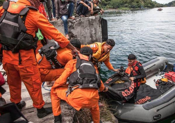 آتشسوزی کشتی در اندونزی با 11 کشته و ناپدید