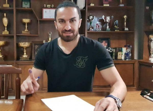 وکیل شفیعی: قرارداد خالد فسخ نشده است/ او را از حضور در تمرینات منع کردند!