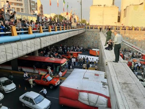 قصد خودکشی یک دختر در بزرگراه امام علی,اخبار حوادث,خبرهای حوادث,حوادث امروز