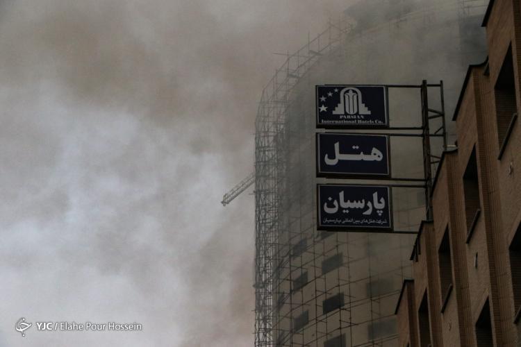 تصاویر هتل آسمان در آتش,عکس های هتل آسمان در آتش,تصاویر آتش سوزی هتلِ در حال ساخت آسمان
