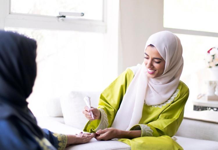 تصاویر آرایش دختری با حنا,عکس آرایش دختر اماراتی با حنا،تصاویری از آرایش Azra با حنا