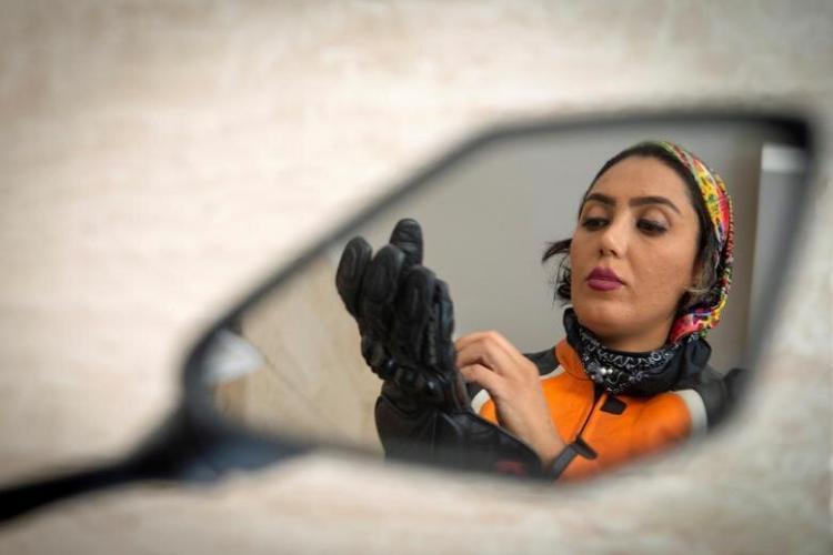 روایت تصویری رویترز از زندگی موتورسوار زن ایرانی,تصاویر باران هادیزاده؛عکس های باران هادیزاده