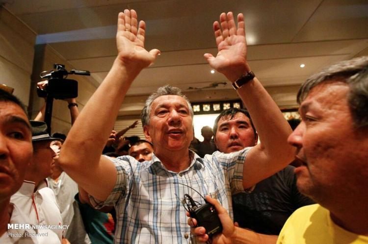 تصاویر دستگیری الماسبیک آتامبایف,عکس های دستگیری الماسبیک آتامبایف,تصاویر رئیس جمهوری سابق قرقیزستان