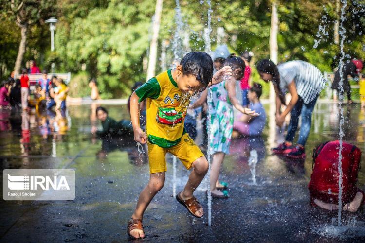 تصاویر آب بازی تابستانه کودکان,عکس های آب بازی تابستانه کودکان,تصاویرآب تنی کودکان