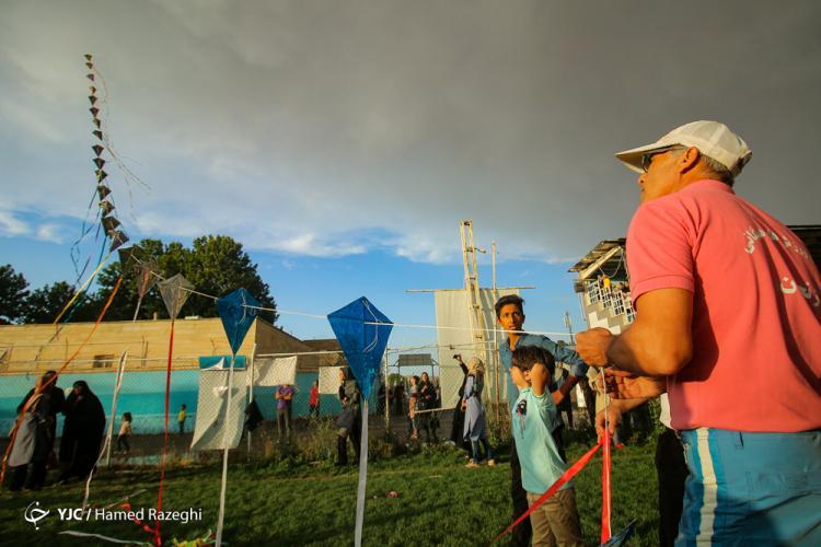 تصاویر سومین دوره جشنواره بادبادکها,عکس های دیدنی از جشن بادکنکها,عکس های جشن بادکنکها در شهرستان خرمدره استان زنجان