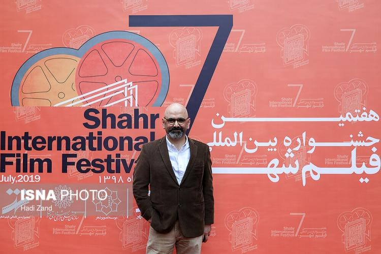 تصاویر اختتامیه هفتمین جشنواره فیلم شهر,عکس هنرمندان در اختتامیه هفتمین جشنواره فیلم شهر,عکس علی نصیریان در اختتامیه جشنواره فیلم شهر