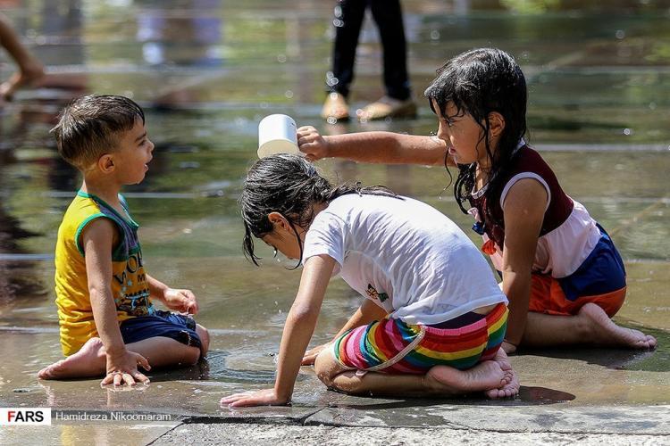 تصاویر جایگاه ویژه آببازی در زاینده رود,عکس های آب بازی در زاینده رود,تصاویر آب بازی در امتداد زایندهرود