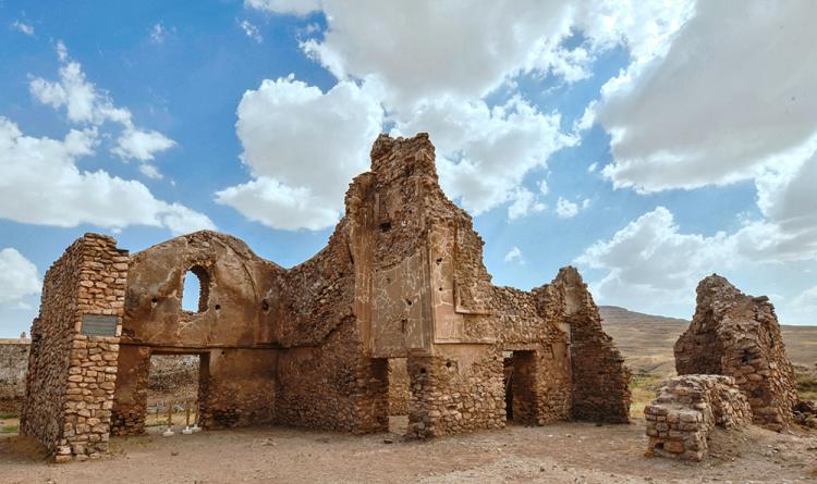تصاویر تخت سلیمان,عکس های تخت سلیمان,تصاویر جاذبههای تاریخی آذربایجان غربی