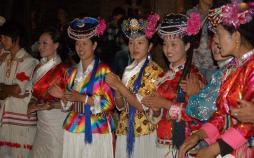 تصاویر قبیله ای در دامنههای هیمالیا,عکس های قبیله موسو,تصاویر ععجیب ترین قبیله ها در جهان