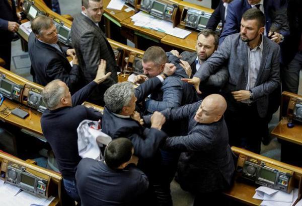 دعوای سیاستمداران در پارلمان,اخبار سیاسی,خبرهای سیاسی,سیاست