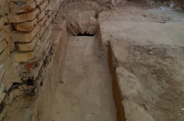 کشف آبراهه صفوی درحین مرمت و تعمیرات وضوخانه مسجد امام خمینی