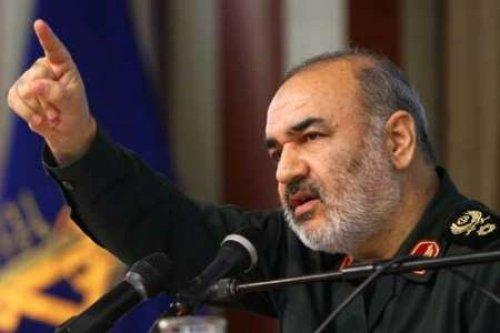 سرلشکر سلامی: در برابر هیچ تهدیدی احساس ضعف نمیکنیم