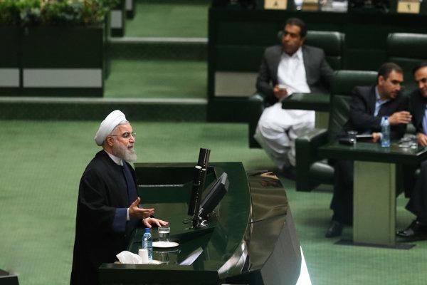 روحانی: تصمیمی برای مذاکره با آمریکا نداشته و نداریم/ما معتقد نیستیم که مقاومت ملی با دیپلماسی در تضاد است