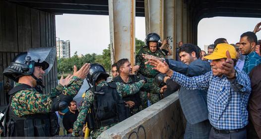 ۲۳ نفر از بازداشتیهای اعتراضات هپکو آزاد شدند/ شش کارگر همچنان در بازداشت هستند