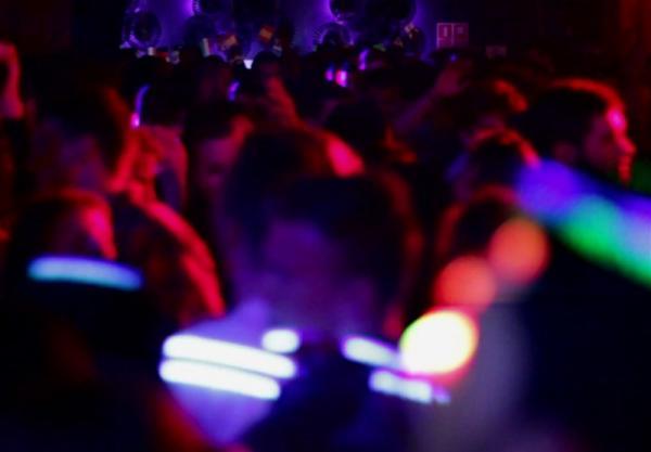 دستگیری ۳۳ نفر در پارتی مختلط شبانه در قشم