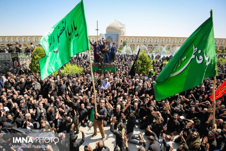 تصاویر عاشورای حسینی در میدان نقش جهان,عکس های مراسم عاشورا در اصفهان,تصاویر مراسم عزاداری عاشورا در اصفهان