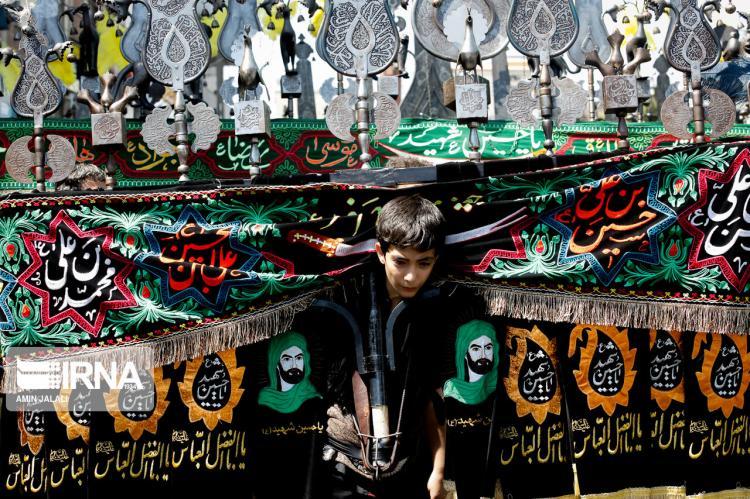 تصاویر روز عاشورا در تهران,عکس های مراسم عزاداری روز عاشورای حسینی در تهران,تصاویر مراسم عاشورای حسینی در تهران