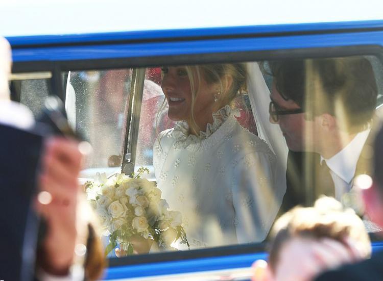 تصاویر عروسی الی گولدینگ,عکس های الی گولدینگ,تصاویر عروسی الی گولدینگ در کلیسای جامع یورک مینستر