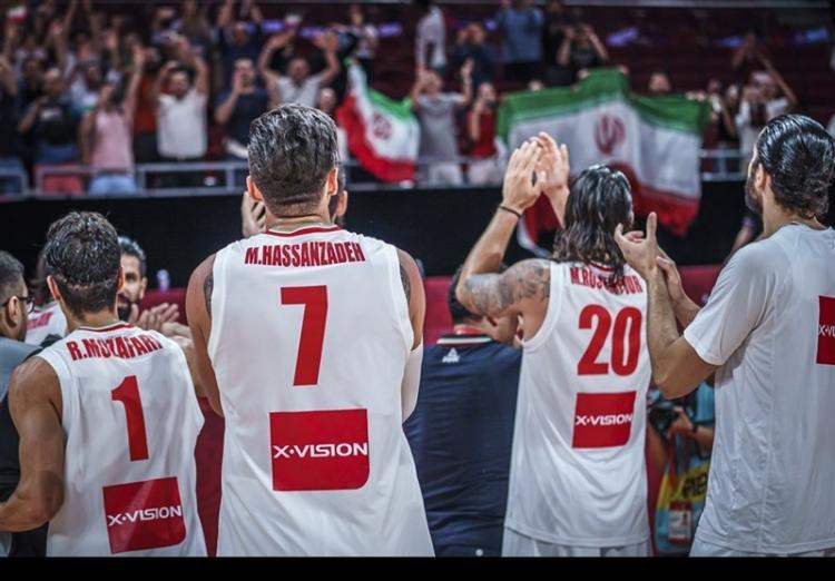 تصاویر جشن صعود بسکتبال ایران به المپیک ۲۰۲۰,عکس های دیدار تیم ملی بسکتبال ایران و فیلیپین,تصاویر شادی بازیکنان تیم ملی بسکتبال برای صعود به المپیک
